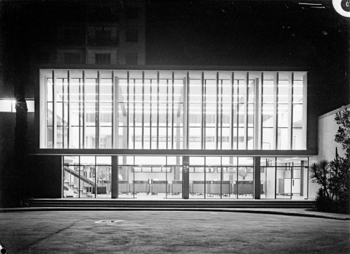 Gustavo Gili Publishers. Барселона. Франсеск Бассо (Francesc Bassó); Жоким Гили (Joaquim Gili).1954-1961.